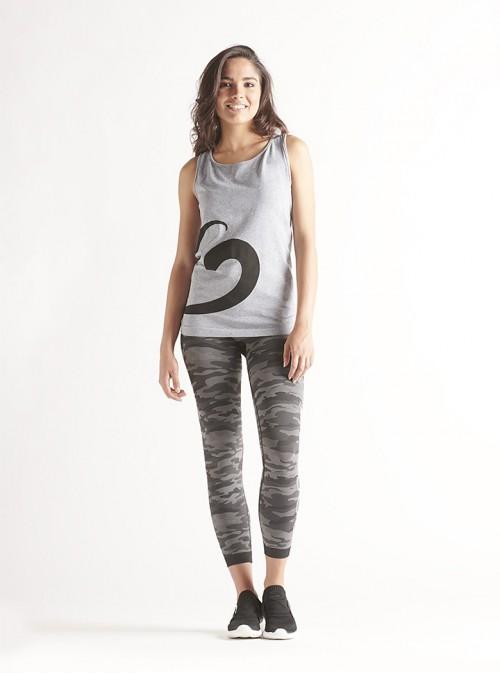 Completo sport donna: canotta melange e legging camouflage