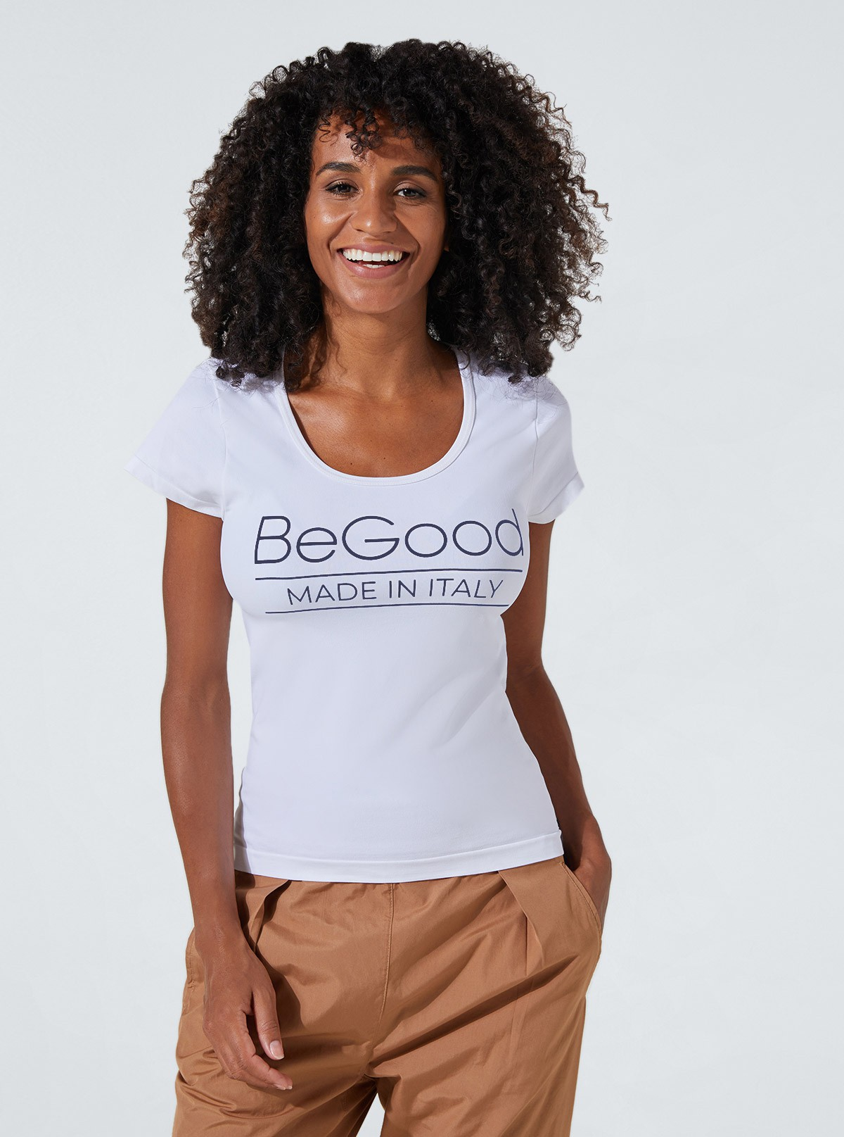 Maglietta Bianca con stampa «BeGood» snellente e idratante