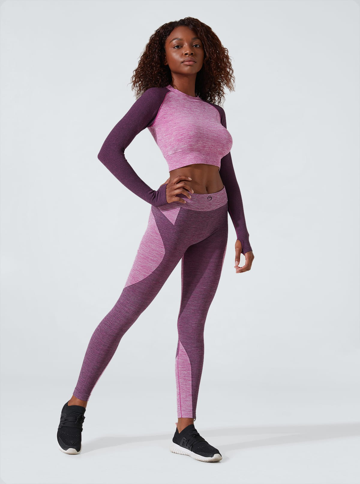 Sport slimming outfit: Long-sleeve top with draining and hydrating leggings