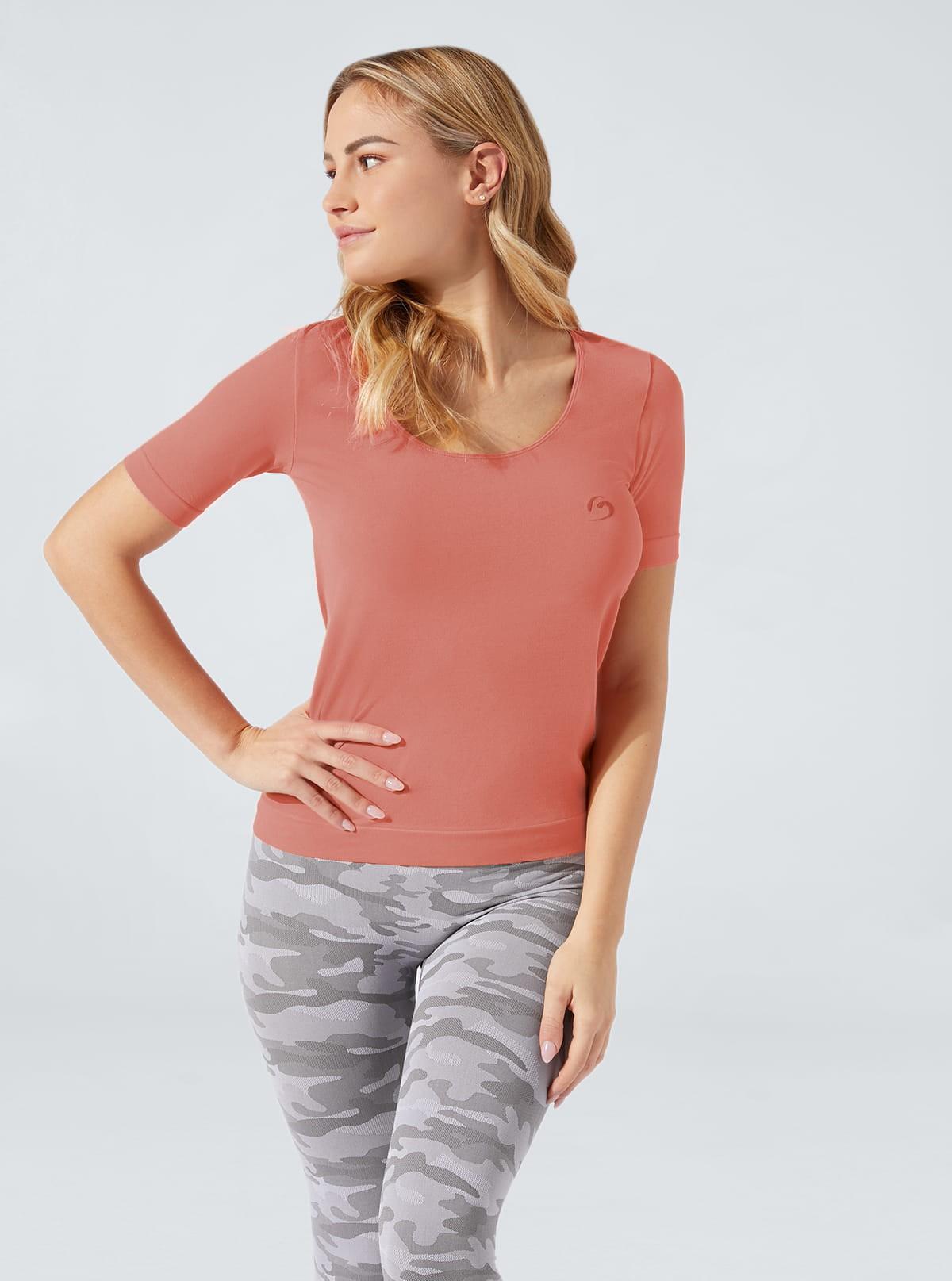 Camiseta cómoda colorida hidratante de manga corta
