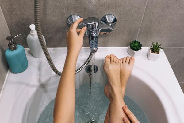 bagno caldo per rilassarsi