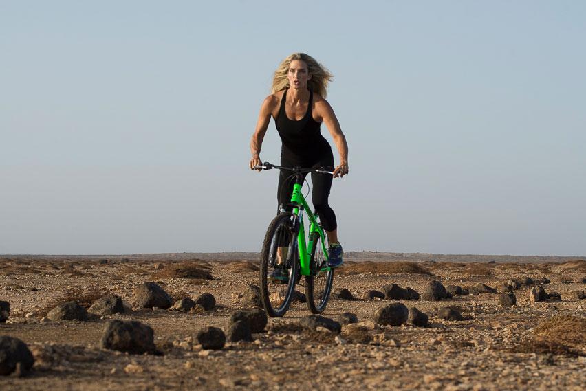 attività fisica: bicicletta all'aria aperta
