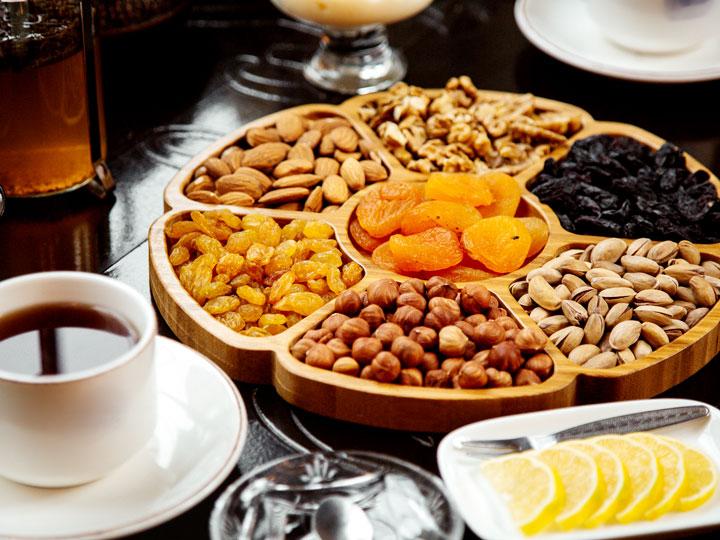 Integratori vegetali alzano le difese immunitarie: verdure e frutta secca