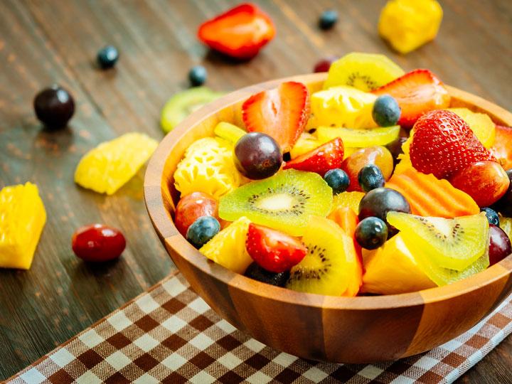 Vitamina C nella frutta alza le difese immunitarie: arancia, fragole, kiwi