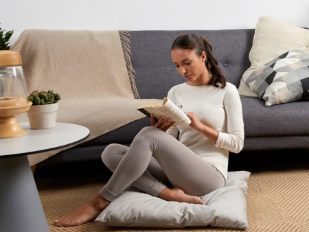 Travailler en pyjama? C'est possible, en s'appuyant sur deux mots clés: élégance et confort